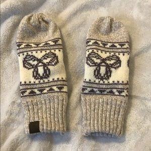 TNA mittens/gloves